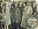 Foto de Get�lio Vargas no pal�cio do Catete em 1930, logo ap�s a revolu��o em que o manteria por 15 anos no poder sem ter sido eleito uma �nica vez. <br/> <br/> Palavras-chave:Get�lio Vargas, revolu��o de 1930, estado novo, poder, pol�tica, ideologia.