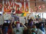 13º Encontro Nacional do MST 23/01/2009 - Entre os dias 20 e 24 de janeiro de 2009, uma grande festa marcou os 25 anos de lutas e conquistas do Movimento. O 13º Encontro Nacional do MST teve a participação de 1.500 Sem Terra e contou com a presença de representantes de diversos movimentos sociais, artistas, autoridades, estudantes, personalidades nacionais e internacionais. Todas as atividades aconteceram em Sarandi, no Rio Grande do Sul. <br/> <br/> Palavras-chave: movimentos sociais, MST, direito, cidadania, reforma agrária.