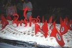 13º Encontro Nacional do MST  Bolo dos 25 anos do MST  23/01/2009 - Entre os dias 20 e 24 de janeiro de 2009, uma grande festa marcou os 25 anos de lutas e conquistas do Movimento. O 13º Encontro Nacional do MST teve a participação de 1.500 Sem Terra e contou com a presença de representantes de diversos movimentos sociais, artistas, autoridades, estudantes, personalidades nacionais e internacionais. Todas as atividades aconteceram em Sarandi, no Rio Grande do Sul. <br/> <br/> Palavras-chave: movimentos sociais, MST, direito, cidadania, reforma agrária,