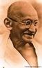 Mohandas Karamchand Gandhi, conhecido popularmente por Mahatma Gandhi (do sânscrito &quot;Mahatma&quot;, &quot;A Grande Alma&quot;) foi um dos idealizadores e fundadores do moderno Estado indiano e um influente defensor do Satyagraha (princípio da não-agressão, forma não-violenta de protesto) como um meio de revolução. <br/> <br/> Palavras-chave: liderança, grupos sociais, liderança institucional, liderança pessoal.